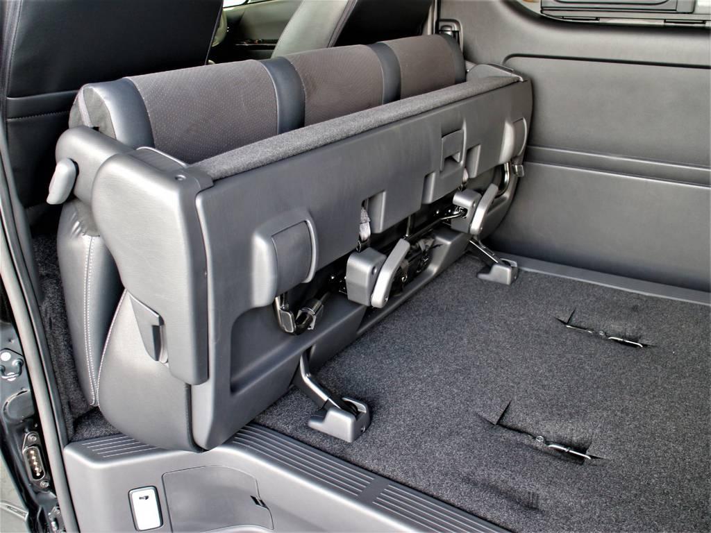 セカンドシートは折りたたみ可能です! | トヨタ ハイエースバン 2.8 スーパーGL ロング ディーゼルターボ 新型 ダーク セーフティーセンス付