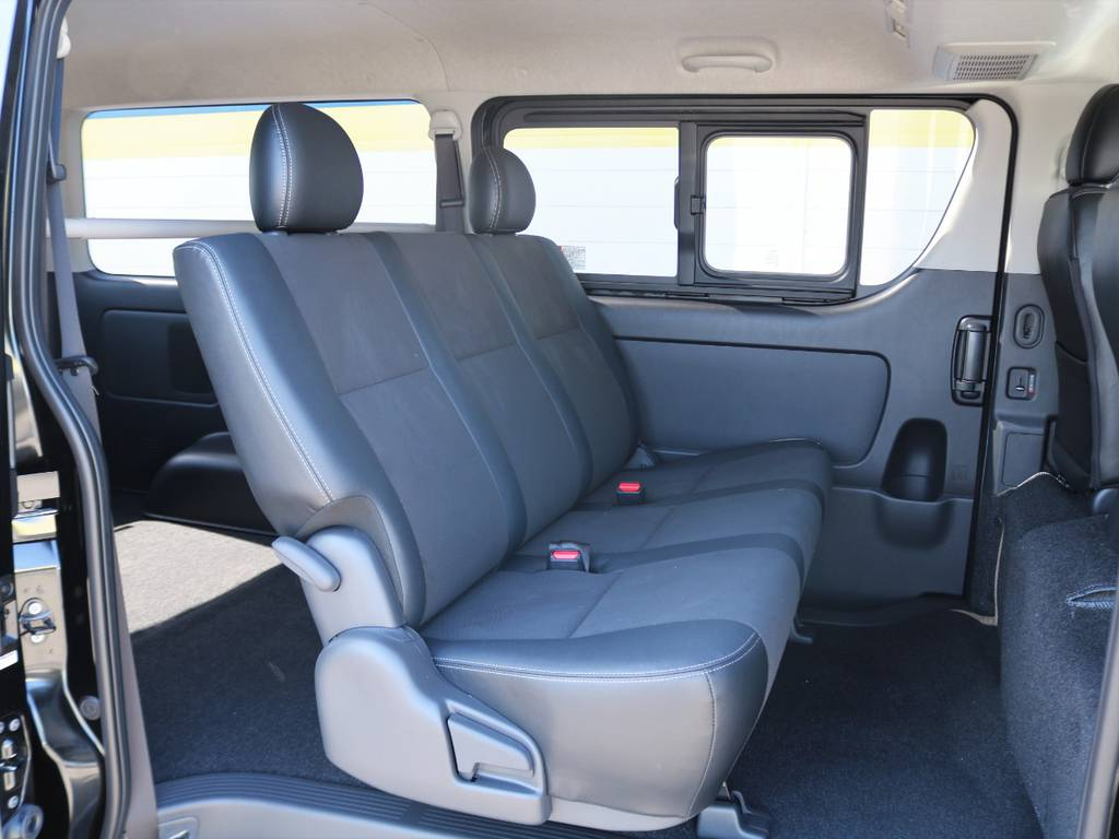 シートカバーのカスタムも承っておりますのでご相談ください♪ | トヨタ ハイエースバン 2.8 スーパーGL ロング ディーゼルターボ ダークプライム TSS