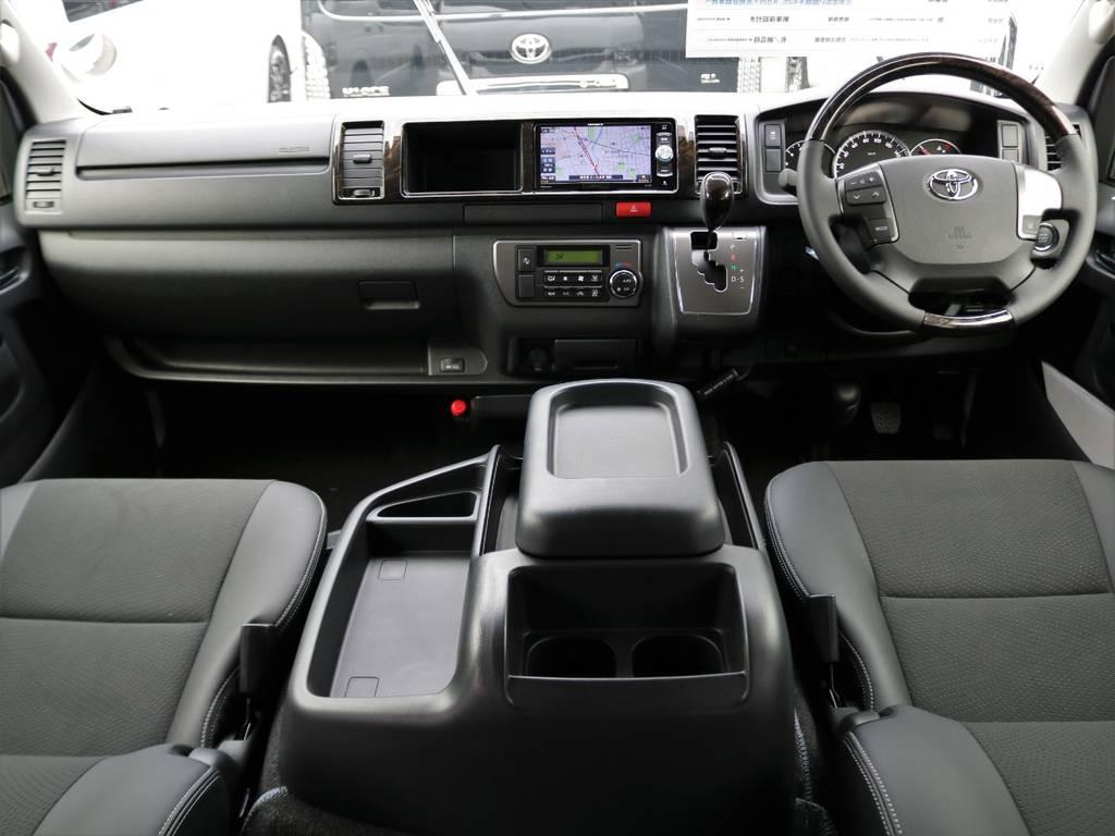 ダークプライム専用内装インテリア♪ | トヨタ ハイエースバン 2.8 スーパーGL ワイド ロング ミドルルーフ ディーゼルターボ 新型 ダーク TSS