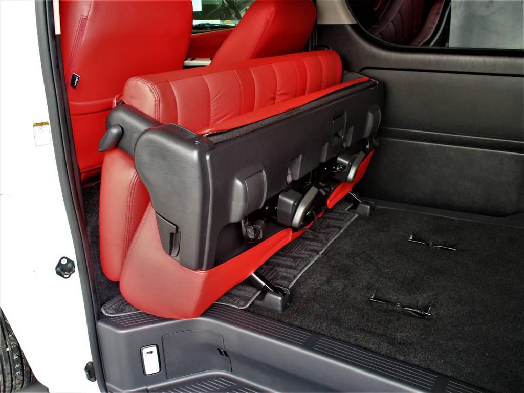 セカンドシートは折りたたみ可能です! | トヨタ ハイエースバン 2.0 スーパーGL ダークプライム ロングボディ 4型6速AT車