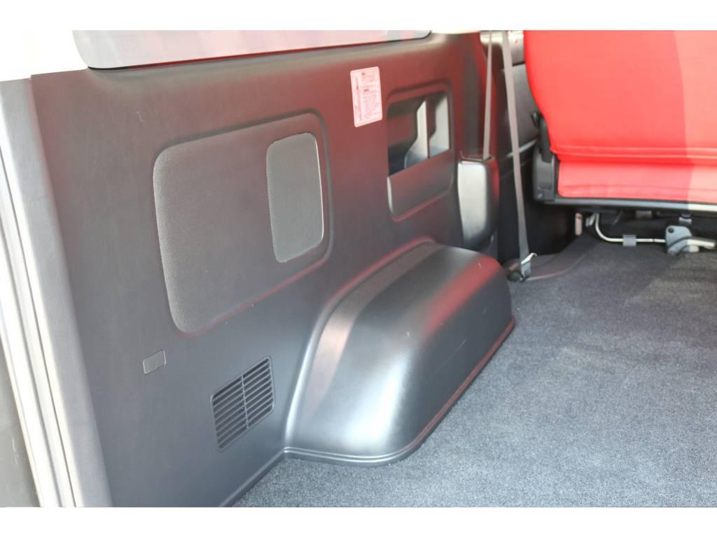 ラゲッジルーム内張りです! | トヨタ ハイエースバン 2.0 スーパーGL ダークプライム ロングボディ 4型6速AT車
