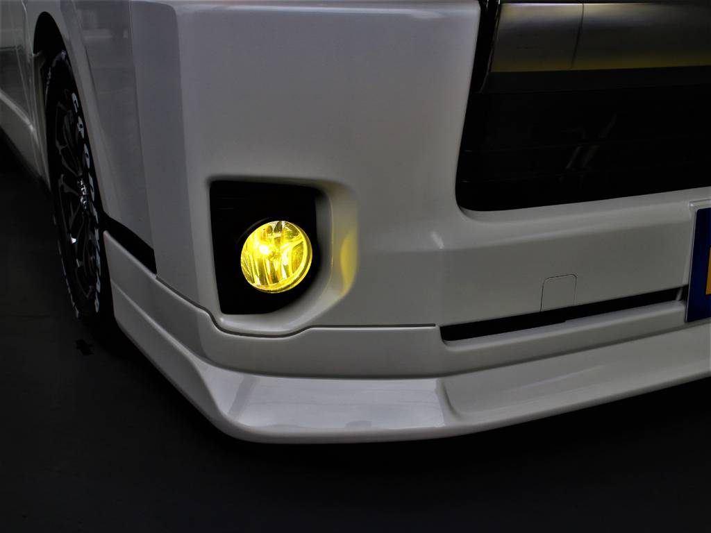 LEDフォグランプ! | トヨタ ハイエースバン 2.0 スーパーGL ダークプライム ロングボディ 4型6速AT車