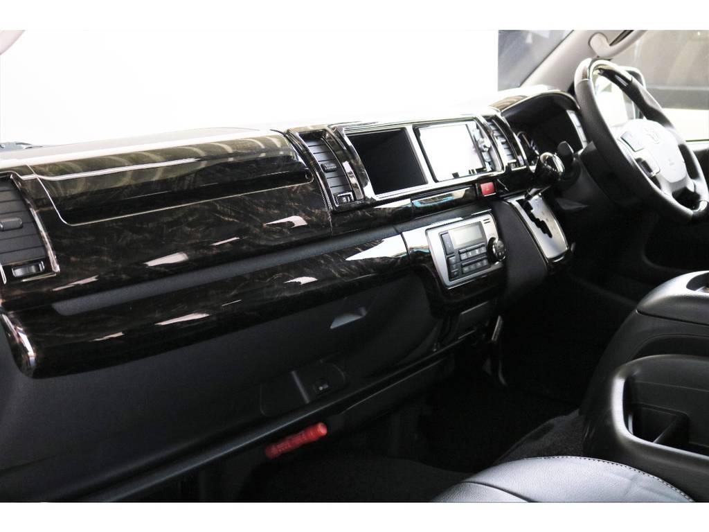 マカボニー調インテリアパネル!!   トヨタ ハイエース 2.7 GL ロング ミドルルーフ 4WD