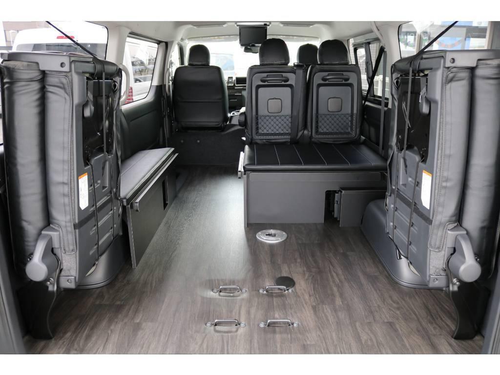 後席跳ね上げ可能です! ベッドキット&テーブル取り外し可能です!   トヨタ ハイエース 2.7 GL ロング ミドルルーフ 4WD アレンジR1内装架装