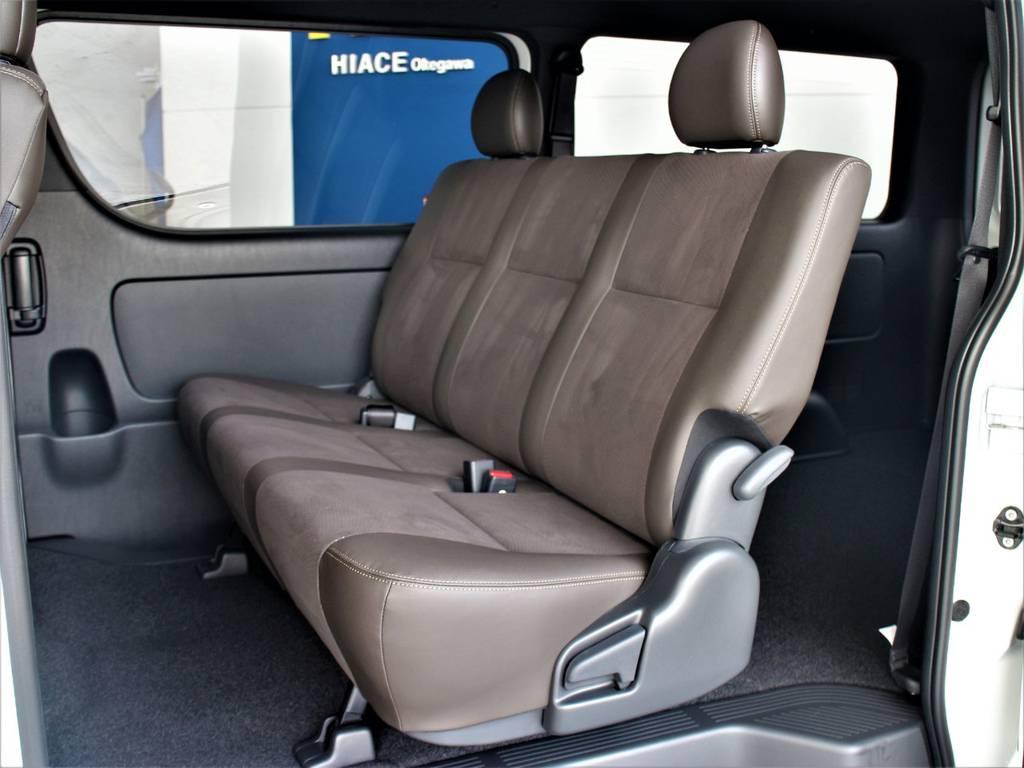 セカンドシートは3人定員です! | トヨタ ハイエースバン 2.8 スーパーGL 50TH アニバーサリー リミテッド ロングボディ ディーゼルターボ 4WD