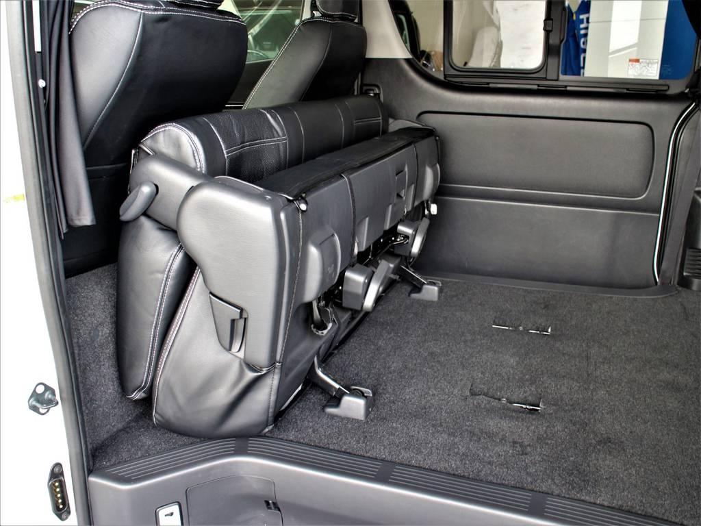 セカンドシートは折りたたみ可能です!   トヨタ ハイエースバン 3.0 スーパーGL ワイド ロング ミドルルーフ ディーゼルターボ