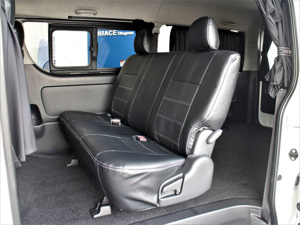 セカンドシートは3人定員です!   トヨタ ハイエースバン 3.0 スーパーGL ワイド ロング ミドルルーフ ディーゼルターボ