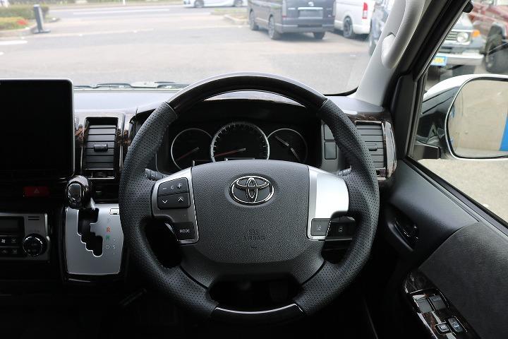 スマートキー&プッシュスタート! 左側パワースライドドア! 自動ハイビーム(オートマチックハイビーム)! ビルトインETC2.0! | トヨタ ハイエース 2.7 GL ロング ミドルルーフ 4WD R1内装架装車両
