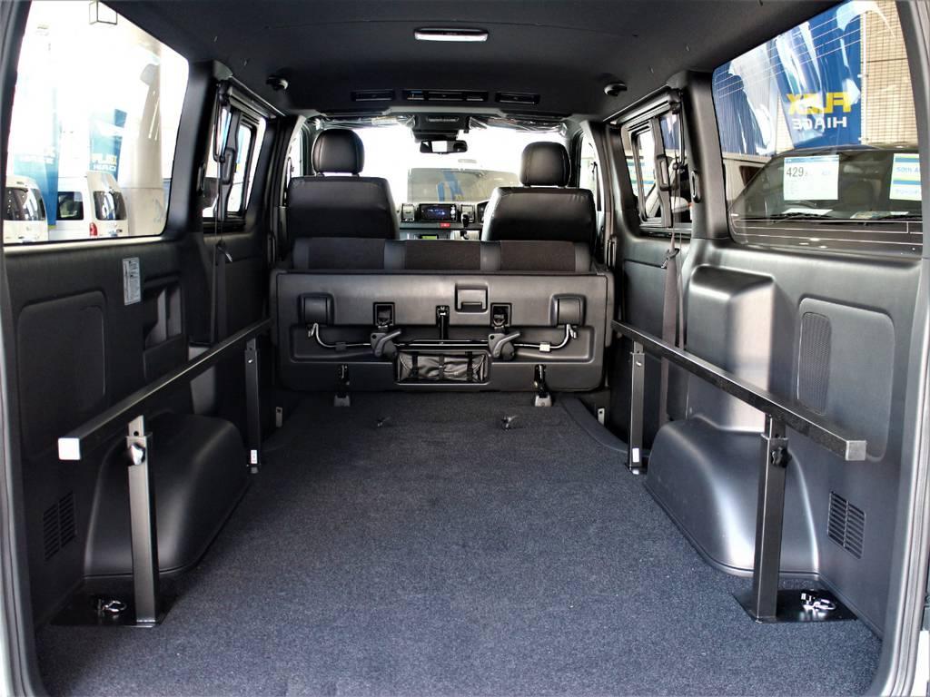 セカンドシートは折りたたみ可能です!   トヨタ ハイエースバン 2.8 スーパーGL ダークプライムⅡ ロングボディ ディーゼルターボ 4WD