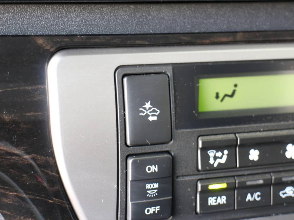 自動ブレーキ(ブリクラッシュセーフティーシステム)! | トヨタ ハイエース 2.7 GL ロング ミドルルーフ R1内装架装