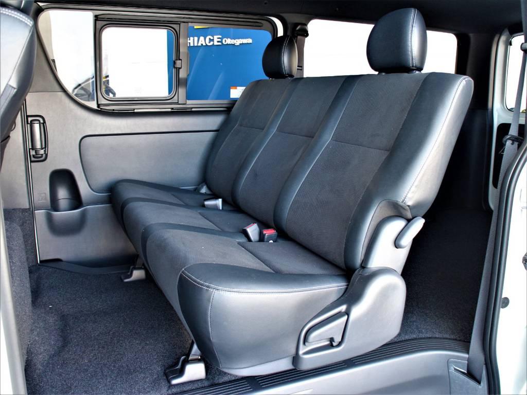 セカンドシートは3人定員です! | トヨタ ハイエースバン 2.8 スーパーGL ダークプライムⅡ ロングボディ ディーゼルターボ 4WD