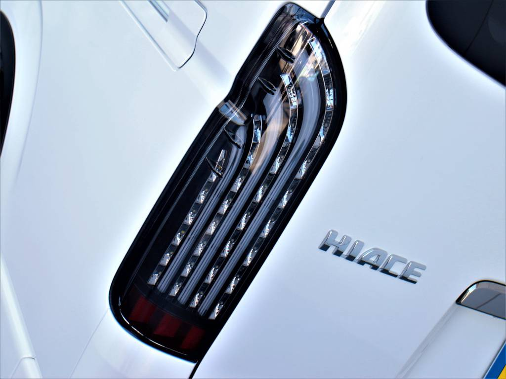 FLEXオリジナル煌LEDテールランプ! | トヨタ ハイエースバン 2.8 スーパーGL ダークプライムⅡ ロングボディ ディーゼルターボ 4WD