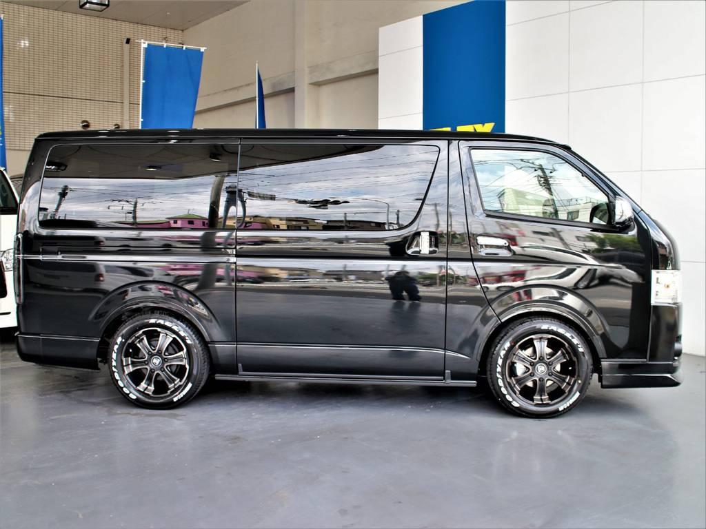 FLEXオリジナルDelfino Lineオーバーフェンダー! | トヨタ ハイエースバン 2.8 スーパーGL ダークプライムⅡ ロングボディ ディーゼルターボ 4WD アレンジFU-Nスライド内装架装