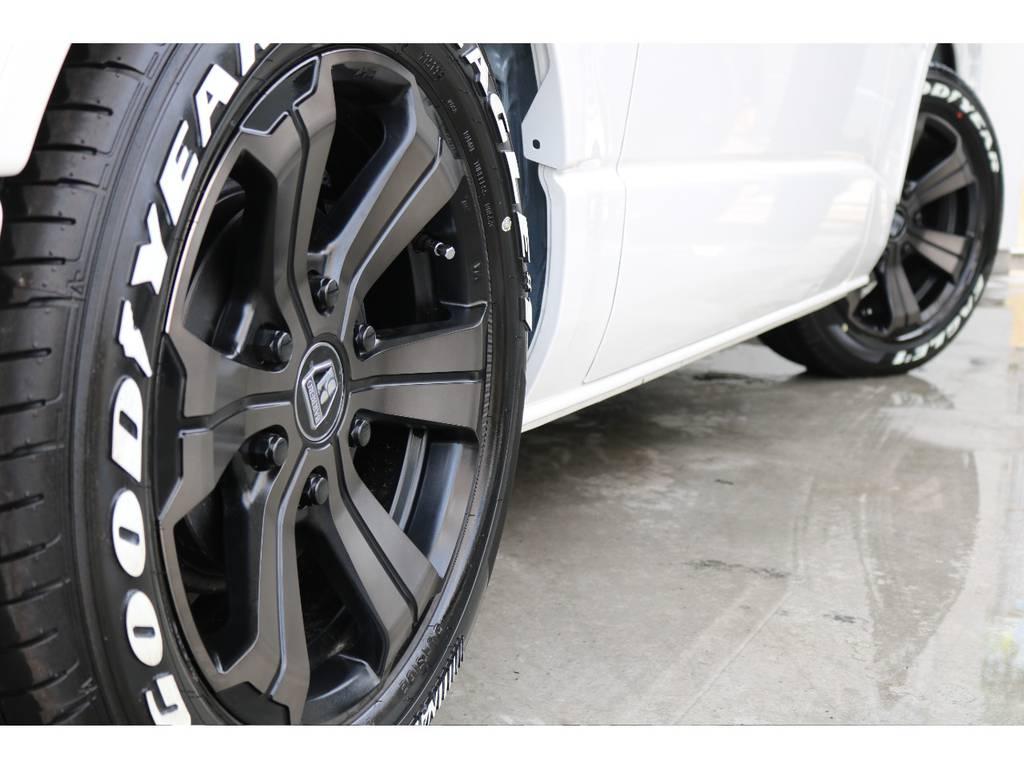 お好みのタイヤ、アルミに履き替えも可能ですよ! | トヨタ ハイエースバン 2.8 スーパーGL 50TH アニバーサリーLTD ワイド ミドルルーフ ロングボディ Dターボ 両側パワスラ