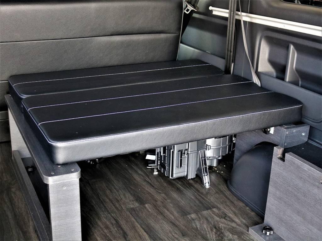後ろ向き1人定員です! | トヨタ ハイエース 2.7 GL ロング ミドルルーフ バージョンⅡ内装架装