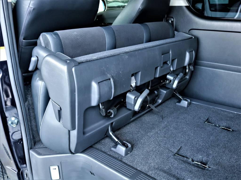 セカンドシートは折りたたみ可能です! | トヨタ レジアスエース 2.8 スーパーGL ダークプライム ロングボディ ディーゼルターボ