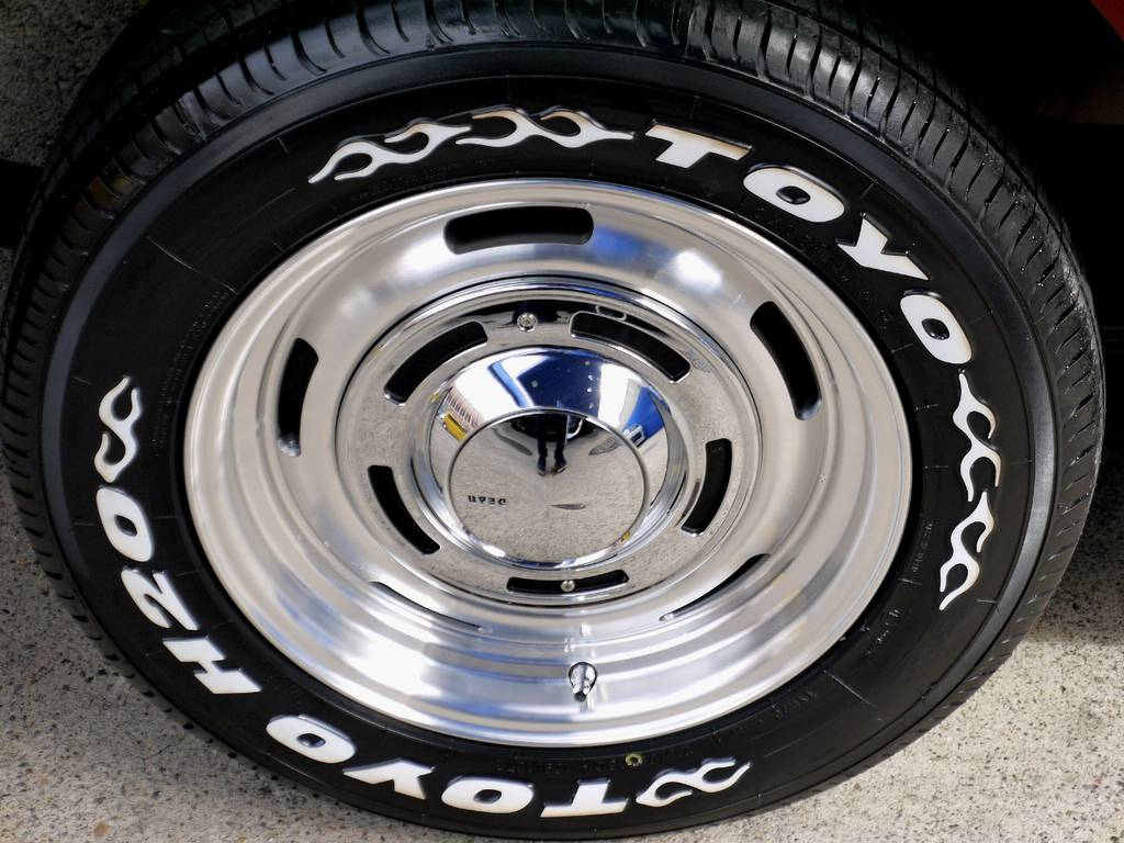 足元にはDEAN クロスカントリー16インチアルミにTOYO H20タイヤをインストール!!