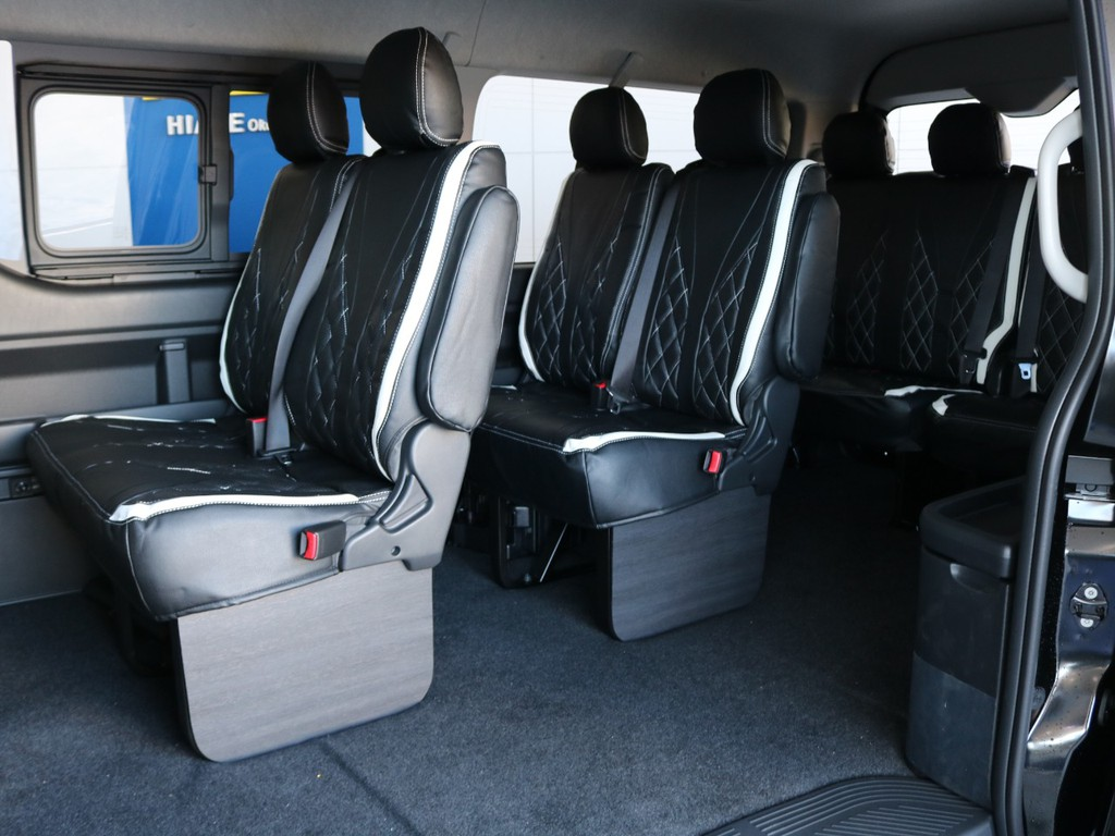 FLEXオリジナル全席シートカバー!10名乗車定員です!FLEXオリジナルサイドパネルで高級感アップ♪