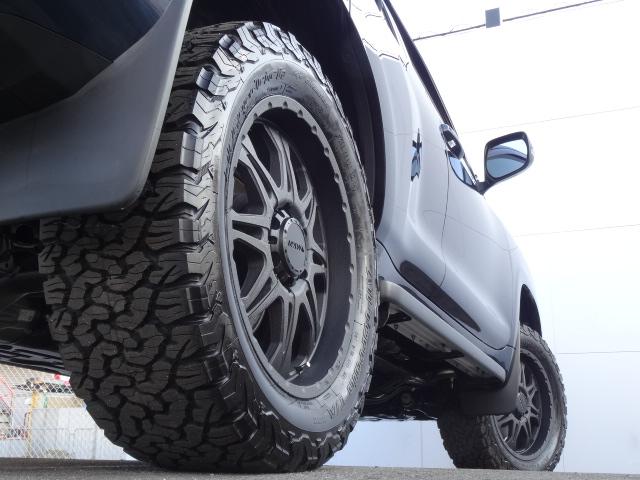 | トヨタ ランドクルーザープラド 2.8 TX ディーゼルターボ 4WD
