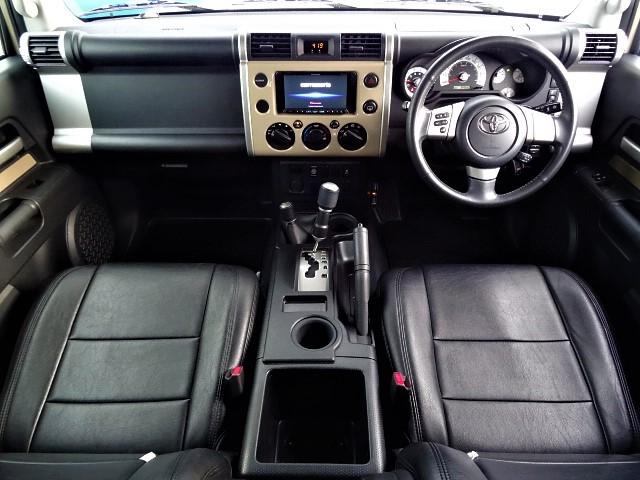 | トヨタ FJクルーザー 4.0 カラーパッケージ 4WD