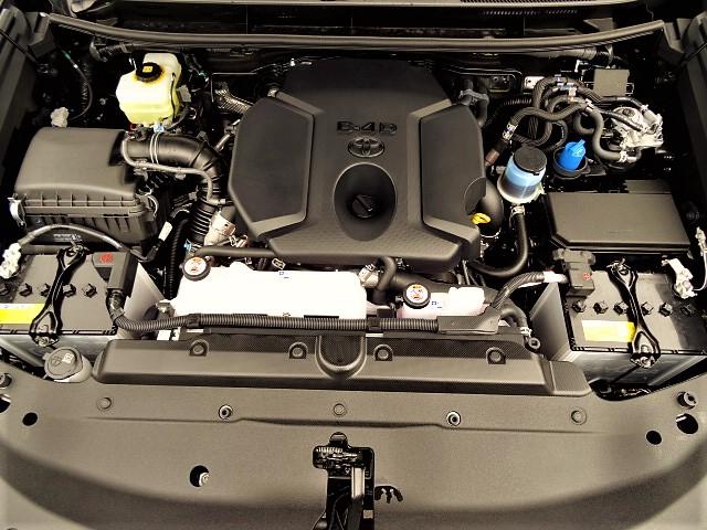   トヨタ ランドクルーザープラド 2.8 TX ディーゼルターボ 4WD 5人乗り