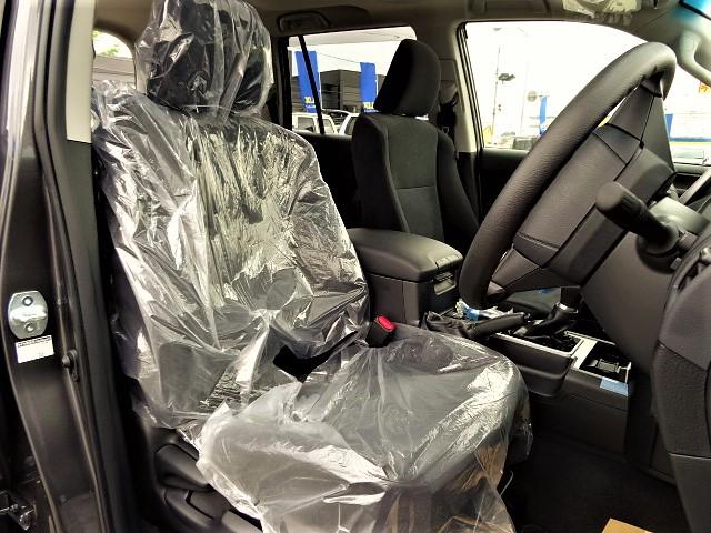   トヨタ ランドクルーザープラド 2.7 TX 4WD 5人