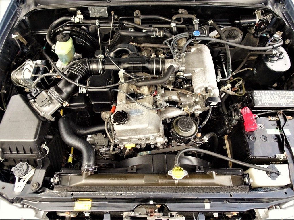 エンジンの状態もこの通り綺麗です!!