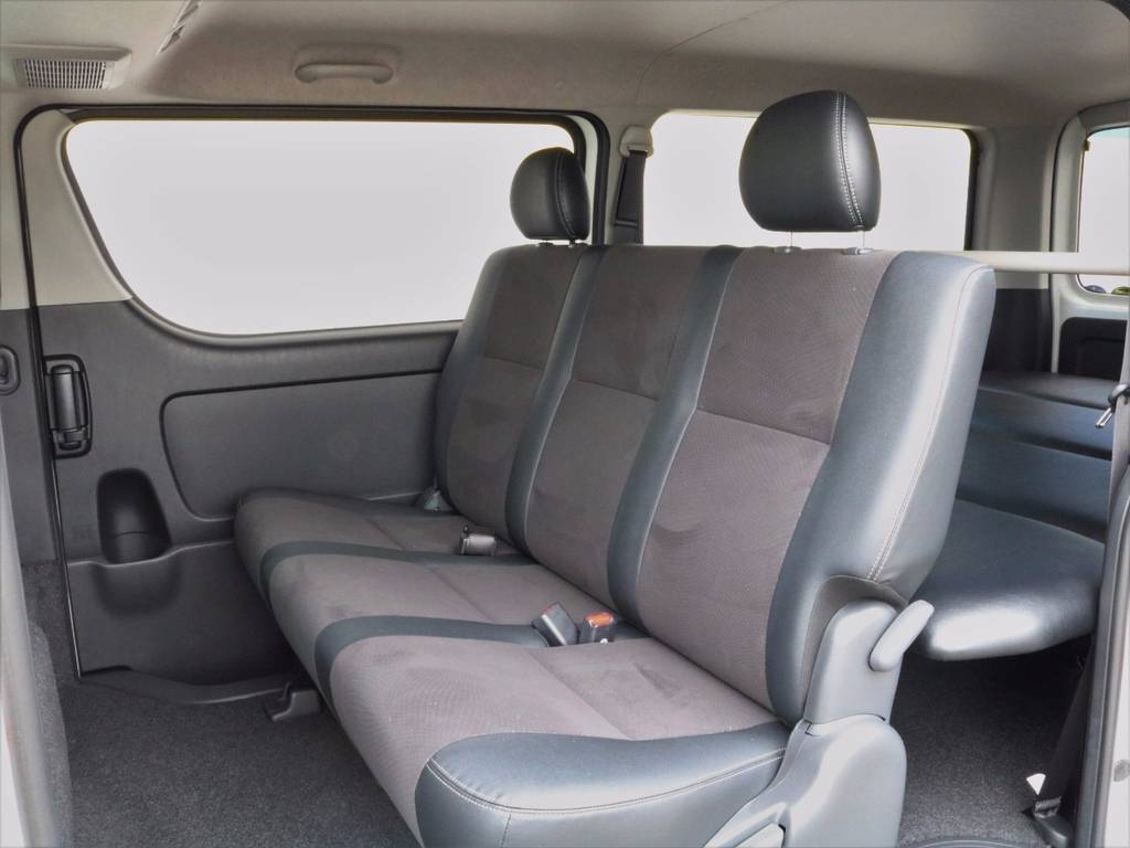フリップダウンモニターやセカンドテーブルなどのお取り付けもお勧めです★ | トヨタ ハイエースバン 3.0 スーパーGL  ダークプライム ロングボディ ディーゼルターボ ESSEXクワトログリル 両側自動ドア