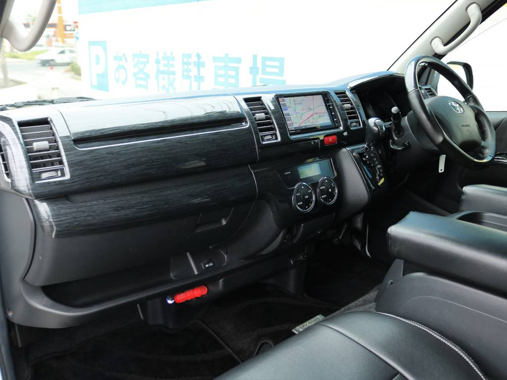 お洒落な黒木目調インテリアキット♪ | トヨタ レジアスエース 2.0 スーパーGL ロングボディ Ⅲ型フルエアロ WALD17インチ