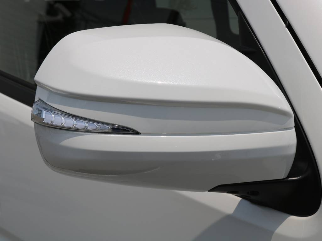 AVEST LEDウィンカーミラーシューティングタイプ | トヨタ ハイエースバン 2.8 スーパーGL ダークプライムⅡ ロングボディ ディーゼルターボ