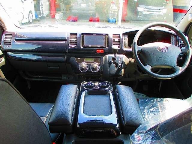 | トヨタ ハイエースバン 2.0 スーパーGL ロング BIGリアモニター 3型カスタム