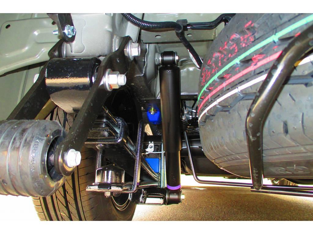 ブロックキットは2インチを採用!バンプ類ももちろん交換済みですよっ♪ | トヨタ ハイエースバン 2.0 スーパーGL ロング ベッドキットナビパッケージ車