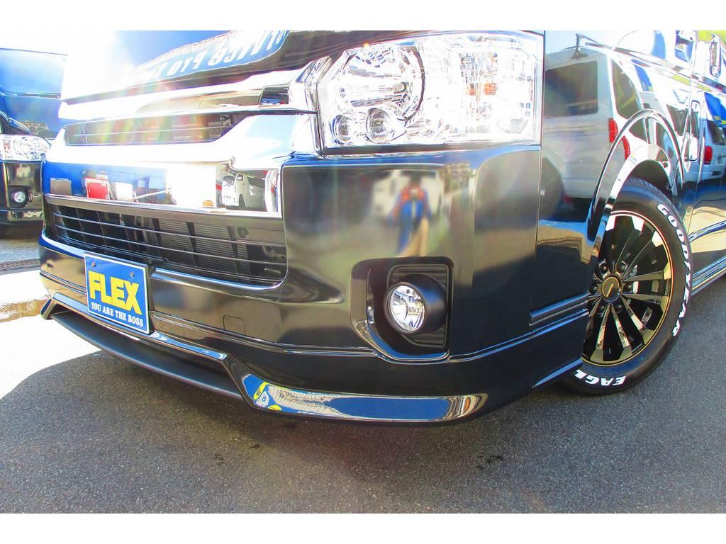 フロントリップはもちろんHearts製!ブラックとマットグレーの塗り分け塗装済み! | トヨタ ハイエース 2.7 GL ロング ミドルルーフ Heartsフルエアロトリプルモニター