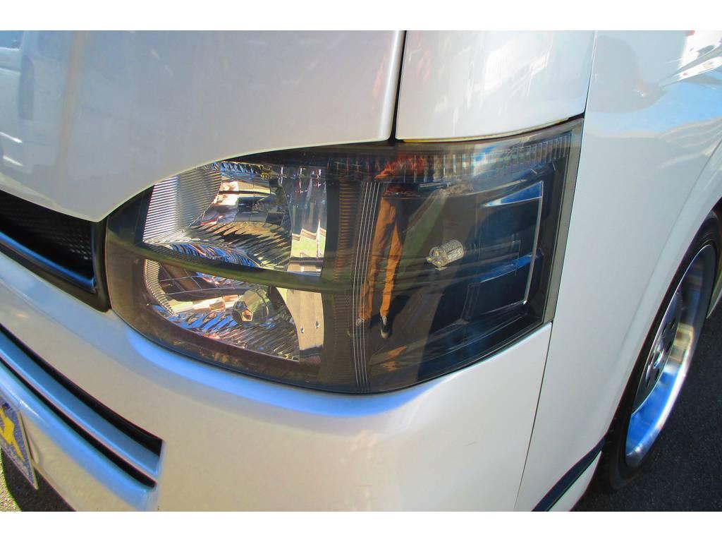 ヘッドライトはインナーブラックされていてカッコいいですねっ♪