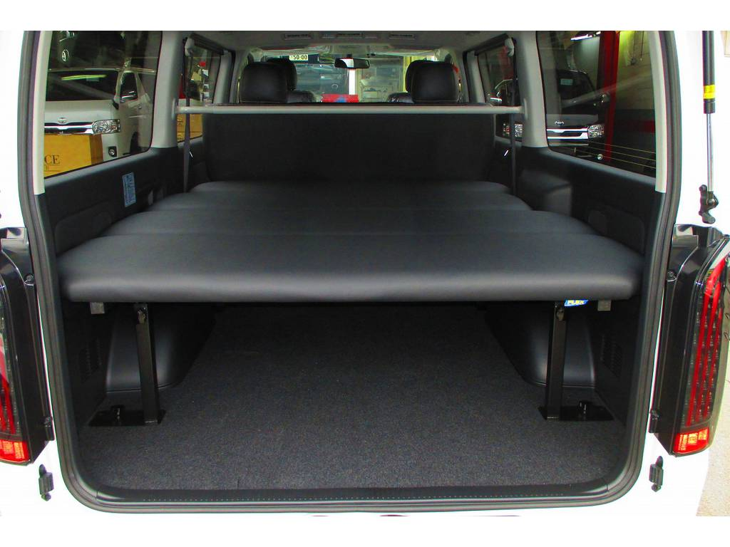 あると便利なベッドキットはフレックスオリジナル!天板が収納できるタイプにモデルチェンジ!使いやすくなりました♪厚みもあるので寝心地もグッドですよっ♪