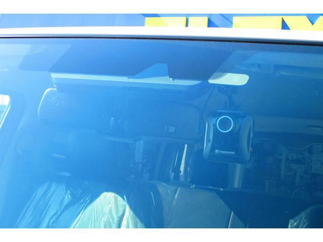 ドライブレコーダーも装着済み!万が一の時には頼りになります!最近は装着率も増えてきておりますよっ♪