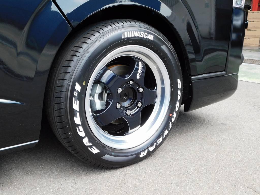 足元をキメるのはWORK製S1HC・17インチを装着!リム幅もあり人気のアルミですよっ♪ | トヨタ ハイエースバン 2.8 スーパーGL ロング ディーゼルターボ ナビパッケージ車