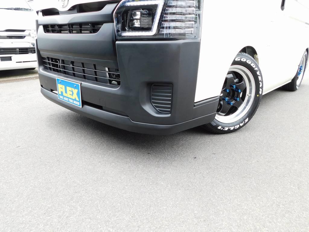 フロントリップはTSD製を装着!ショートタイプで3インチローダウンでも気になりません♪低さとカッコよさの融合ですねっ!!! | トヨタ ハイエースバン 2.0 DX ロング 男気仕様七号機