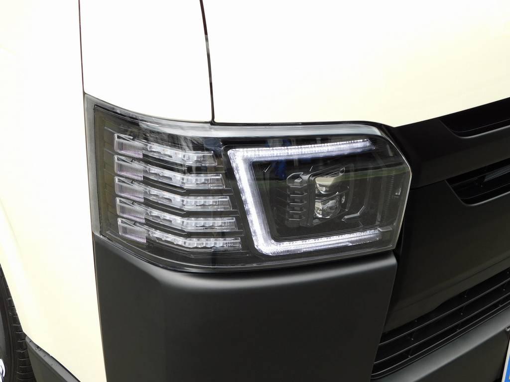 迫力のヘッドライトはコプラス製に換装済み!個性的なヘッドライトが他を圧倒します!!! | トヨタ ハイエースバン 2.0 DX ロング 男気仕様七号機