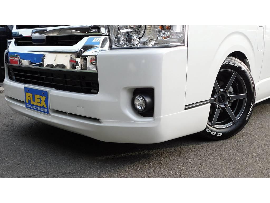 フロントリップは415コブラクリーンルックⅢを装着!主張しすぎず人気のリップスポイラーですよっ!!! | トヨタ ハイエース 2.7 GL ロング ミドルルーフ 内装架装R1