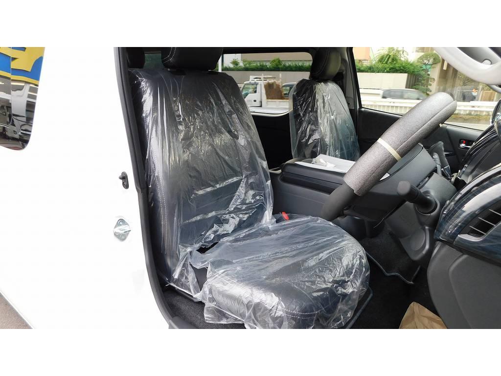 ハイエースカスタムには欠かせない黒革調シートカバーももちろん装着済み!高級感もアップしてますよっ♪ | トヨタ ハイエース 2.7 GL ロング ミドルルーフ 内装架装R1