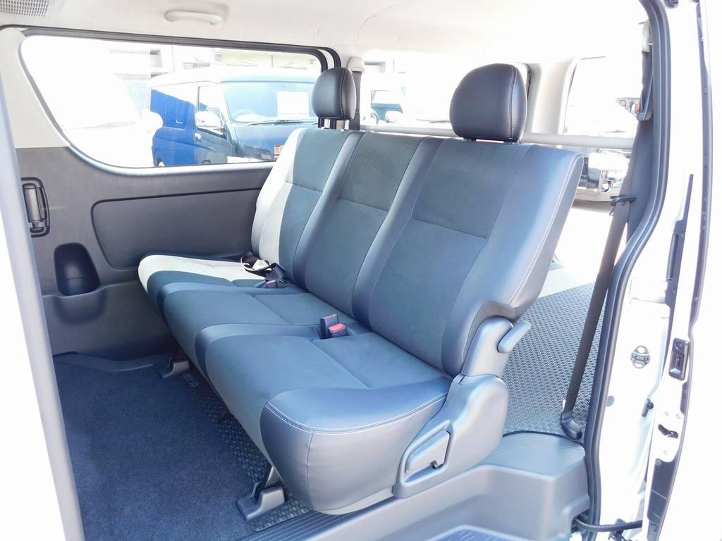 リヤシートもハーフレザー!!!ダークプライム専用シートですよっ♪ | トヨタ ハイエースバン 2.0 スーパーGL ダークプライム ロングボディ ダークプライムカスタム