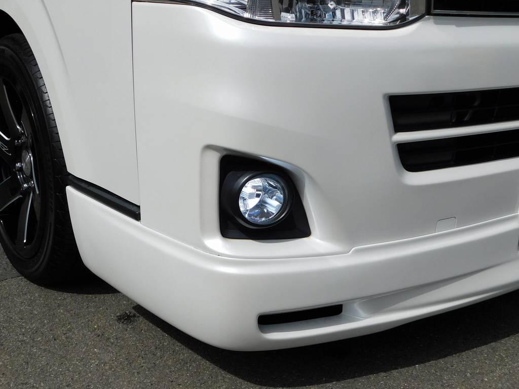 フォグランプもLEDに換装済み!白く輝く光が前方を照らします! | トヨタ ハイエースバン 2.0 スーパーGL ロング カスタムパッケージ