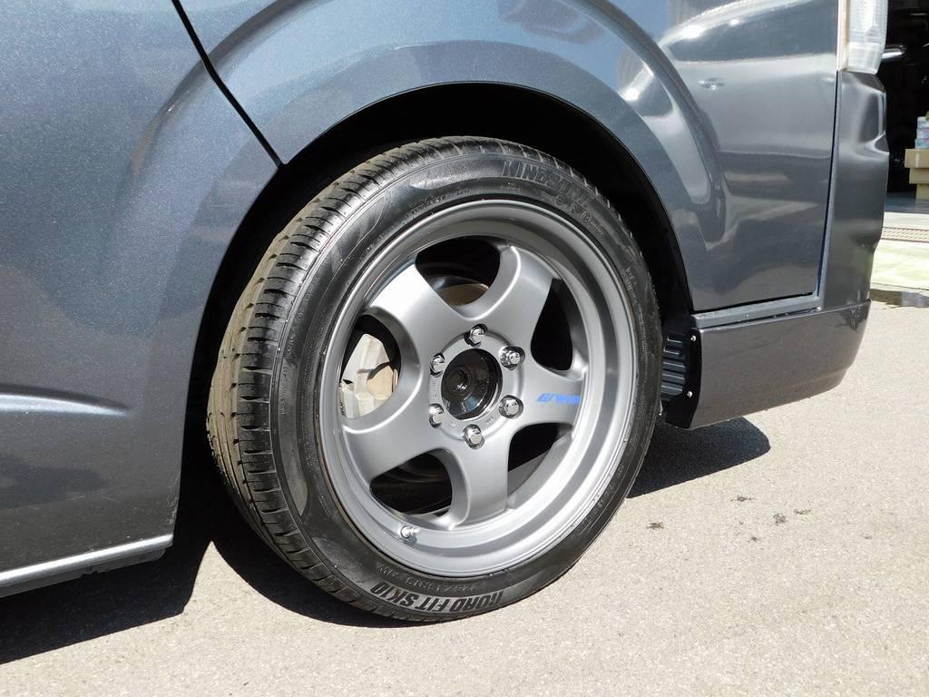 装着されるアルミはWORK製S1HC18インチをインストール!マットガンメタカラーも珍しいですよっ♪ボディ色ともマッチしていてカッコいいですねっ♪ | トヨタ レジアスエース 2.0 スーパーGL ロングボディ ガンメタカスタム