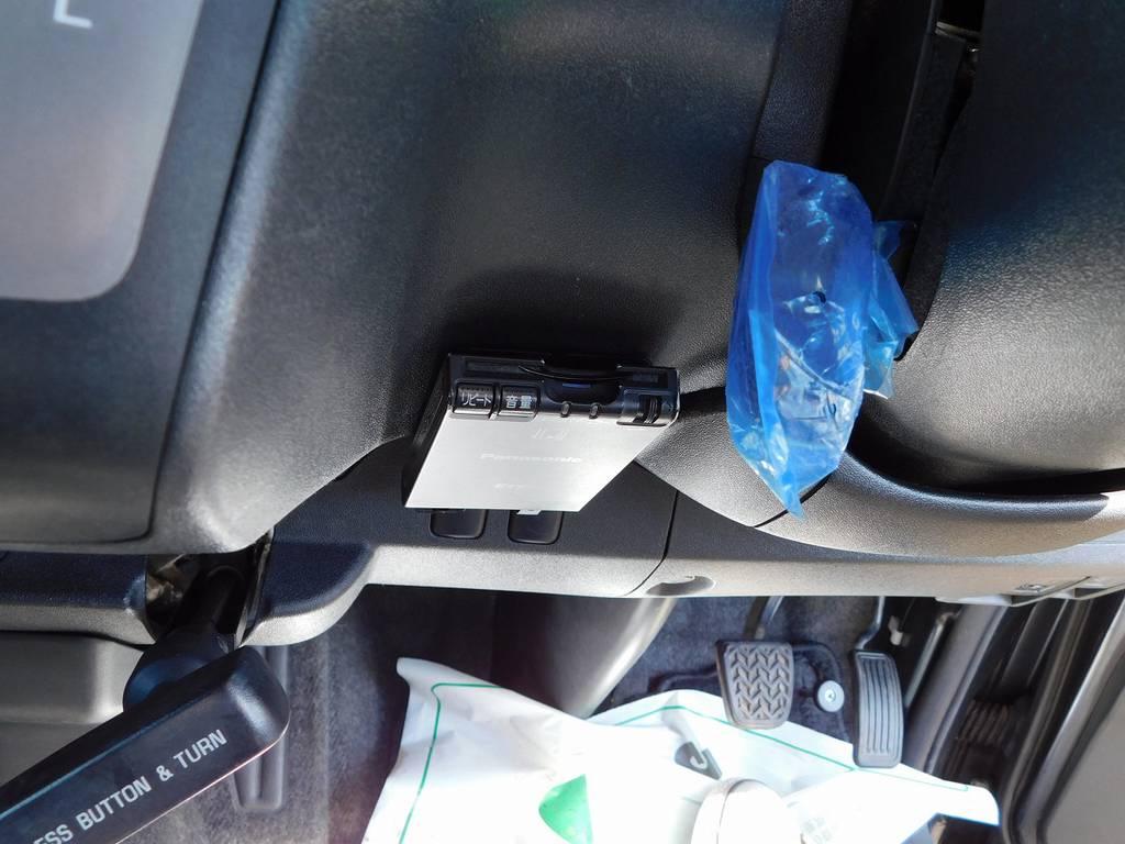 いまどきETCは付いてて当たり前ですねっ♪邪魔にならない所に装着されてます♪ | トヨタ レジアスエース 2.0 スーパーGL ロングボディ ガンメタカスタム