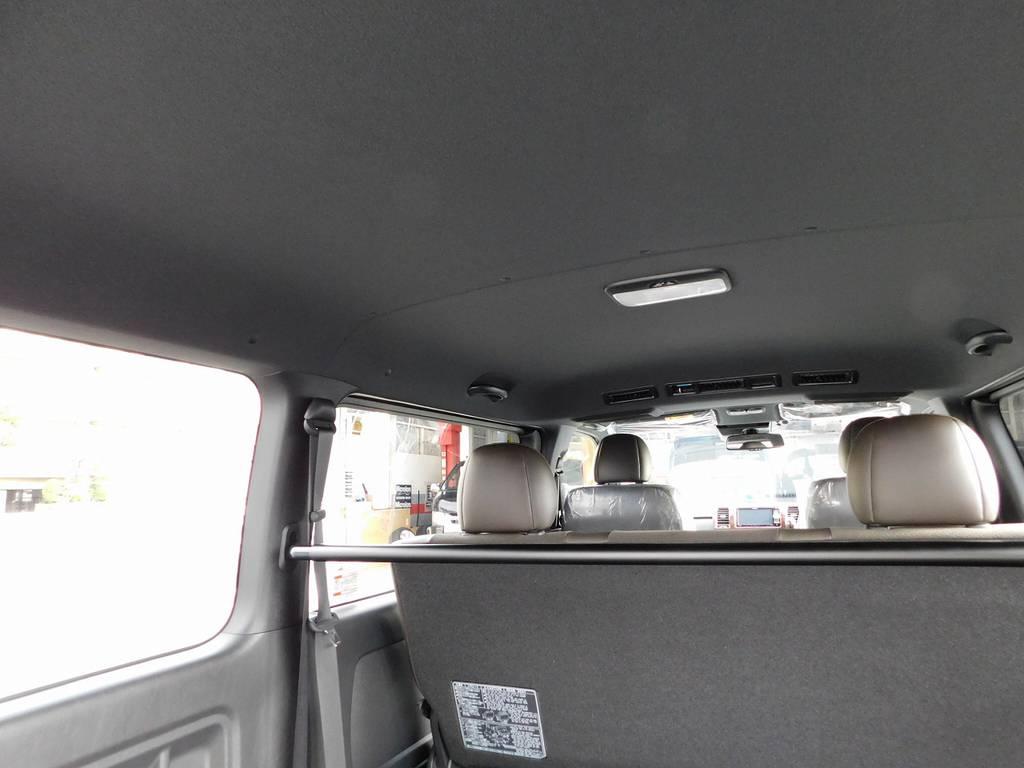 限定車の内装はブラックで統一されてます!ブラック内装はシックでお洒落ですよっ♪   トヨタ ハイエースバン 2.0 スーパーGL 50TH アニバーサリー リミテッド ロングボディ ナビパッケージ車
