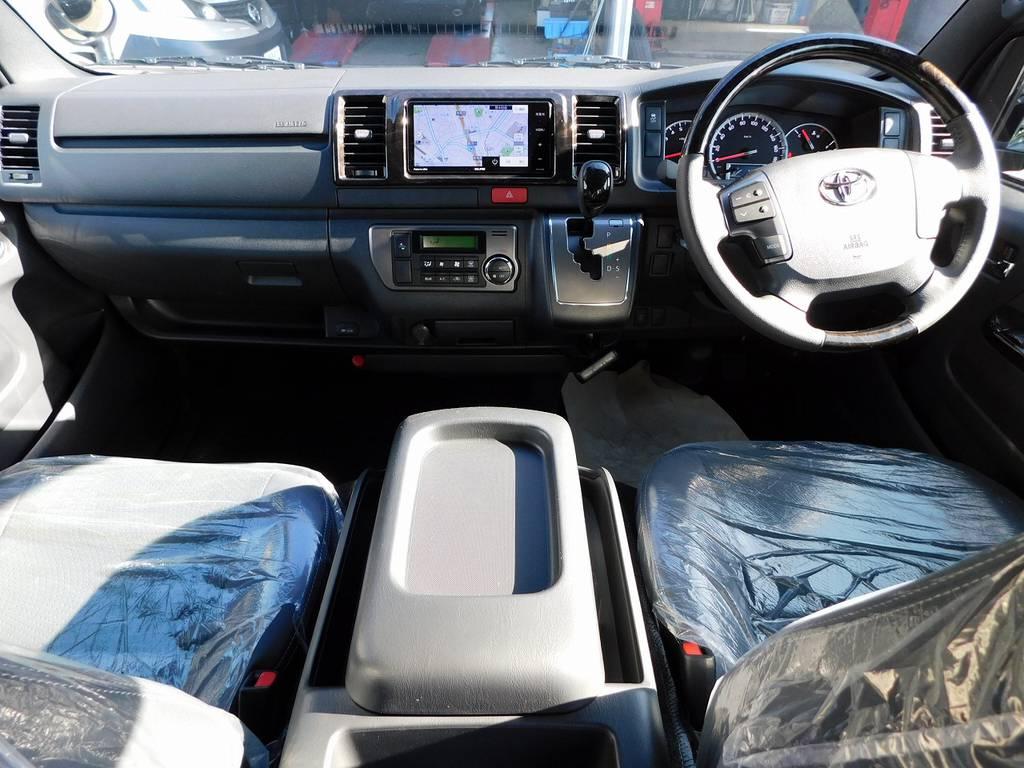 広々室内はロングドライブも疲れづらいですよっ♪座面も高くて見晴らしもグッドです!ダークプライムⅡ専用内装で高級感もあります!!! | トヨタ ハイエースバン 2.0 スーパーGL ダークプライムⅡ ロングボディ 415コブラフルコンプリート車