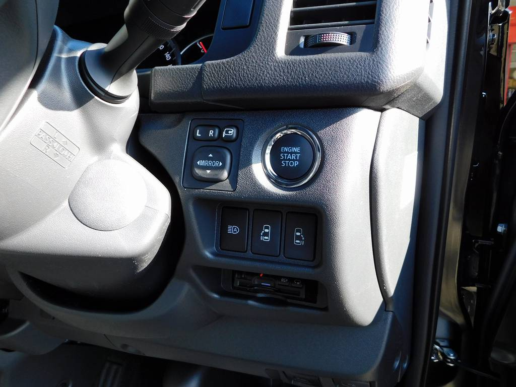 もちろんETCも搭載済み♪純正のように美しくインストール!隙間の処理も手は抜きませんよぉ♪ | トヨタ ハイエースバン 2.0 スーパーGL ダークプライムⅡ ロングボディ 415コブラフルコンプリート車