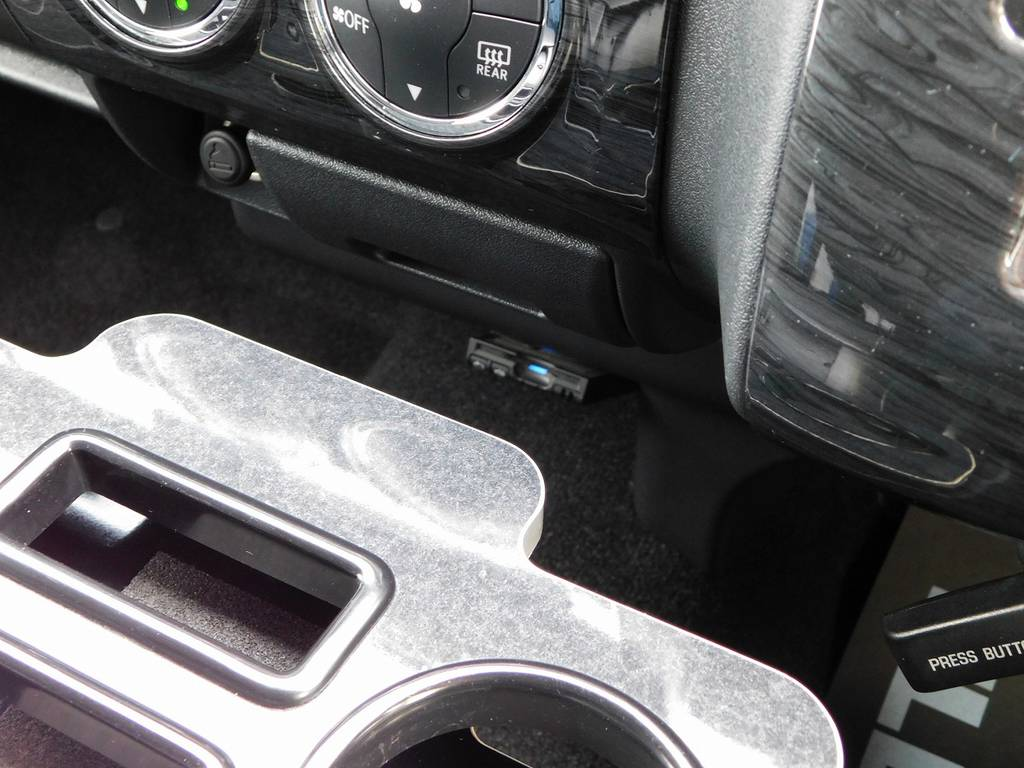 ETCはもちろん搭載されてますよっ! | トヨタ ハイエース 2.7 GL ロング ミドルルーフ 漆黒の3型ワゴンカスタム