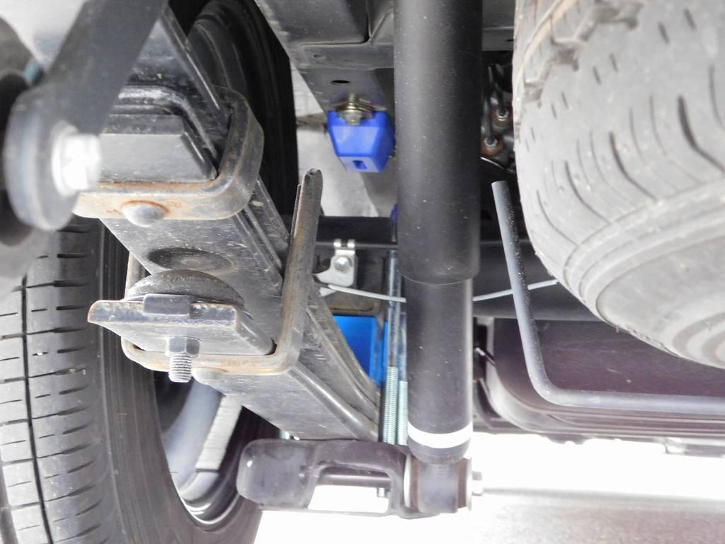 2インチのブロックキットと前後バンプは新品装着!約5cmローダウンされていますよっ!!! | トヨタ ハイエースバン 2.0 DX ロング GLパッケージ 希少9人乗り